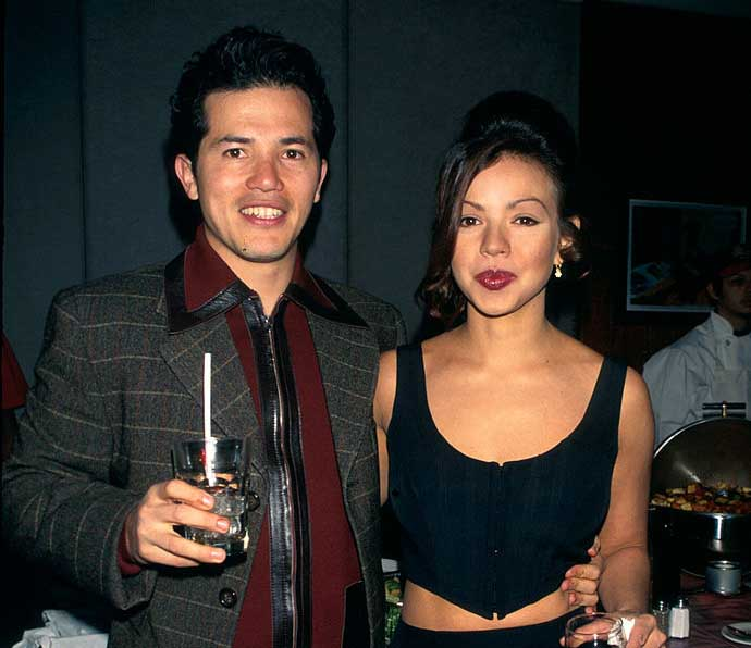 Yelba Osorio and John Leguizamo taking picture together.