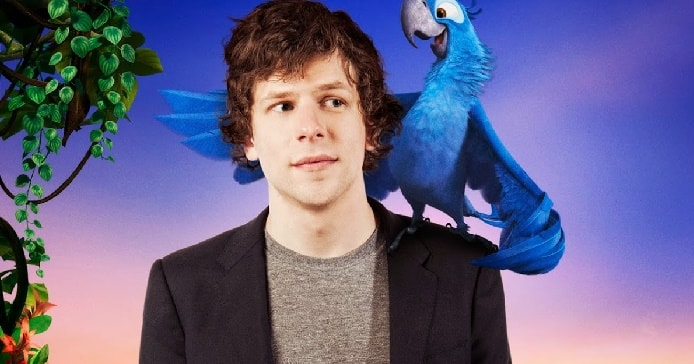 Jesse Eisenberg in his black coat while blue colored Blu in his shoulder