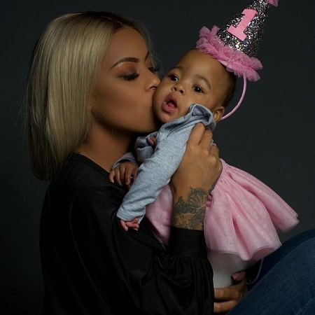 A picture of Alexis Skyy with her daughter Alaiya Grace.