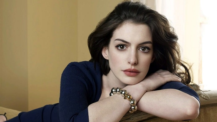 Anne Hathaway Admitted Plastic Surgery and Tattoos – Before and After Pictures