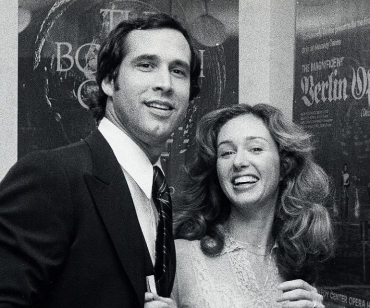 A picture of Jacqueline Carlin with her then husband Chevy Chase at their youth.