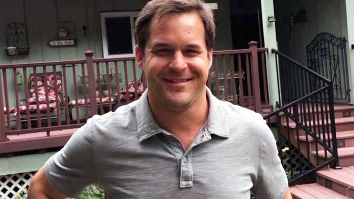 A picture of Kyle Bornheimer.