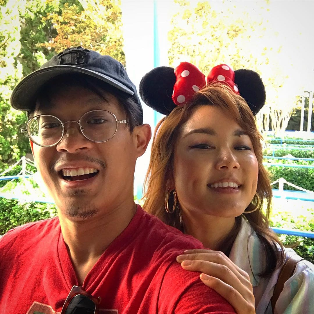 A picture of Stanley Wong taking selfie with his girlfriend Felica Shanno.