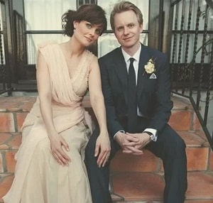 A picture of David Hornsby and Emily Deschanel at the time of their wedding ceremony.