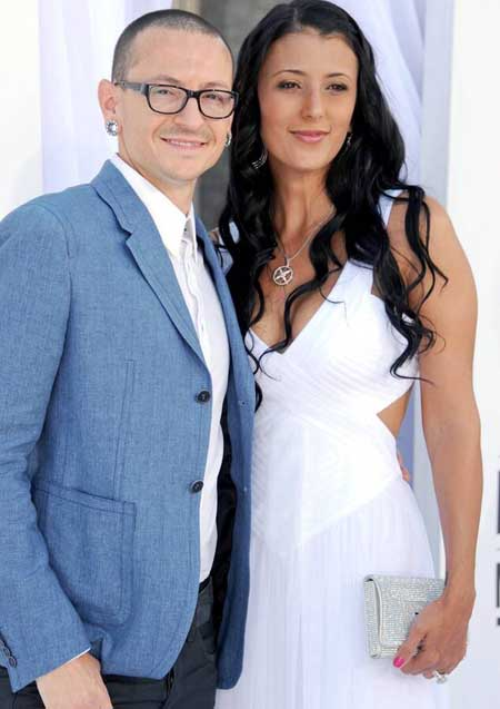 A picture of Talinda and Chester Bennington.