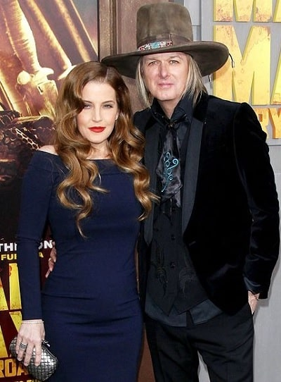 A picture of Lisa Marie Presley and her ex-husband, Michael Lockwood.