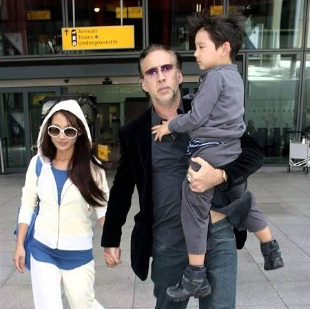 A picture of Alice Kim with her ex-husband and son.