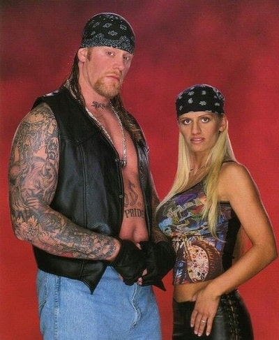 A picture of Sara Calaway with her former husband, The Undertaker.