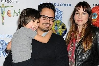 A picture of Brie Shaffer with her husband and son.