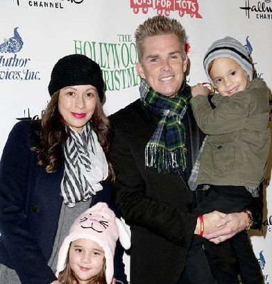 Carin Kingsland with her husband Mark McGrath and twin childre.