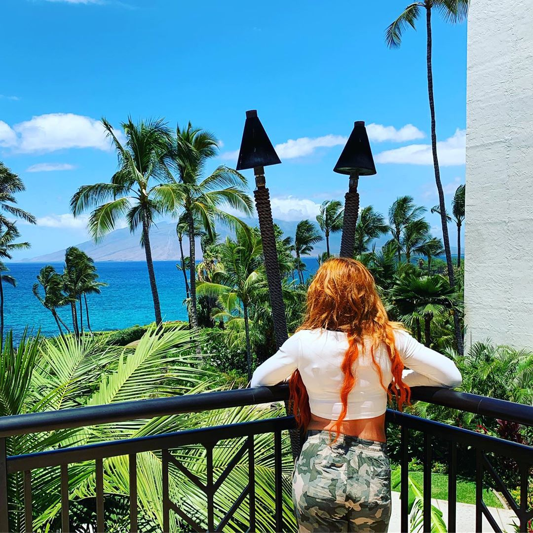 A picture of Becky Lynch enjoying her vacation in Maui.