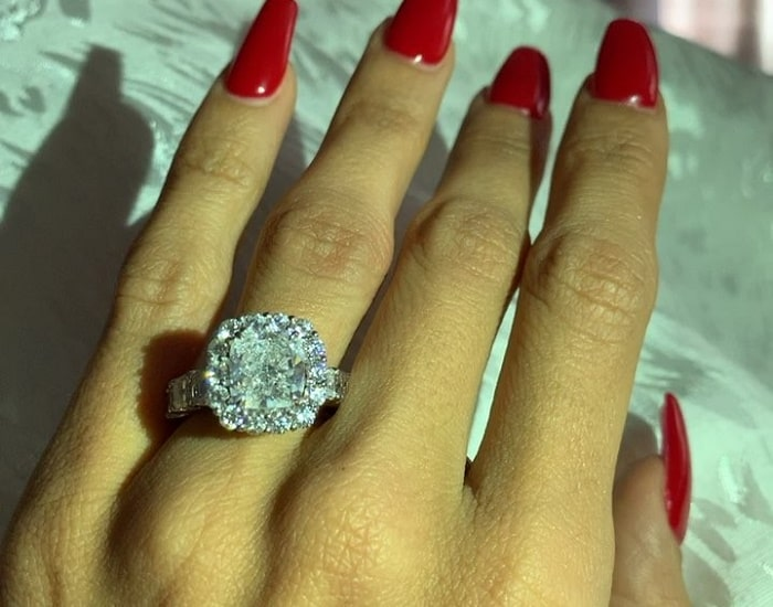 Erica Mena showing her Diamond ring costing $175,000.