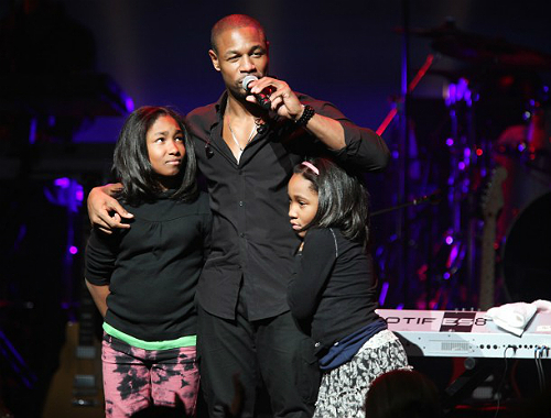 Tank brought his daughters Jordan and Ryen. in live at the Apollo