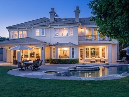 A picture of Kendrick Lamar's  Investment Property in Calabasas.