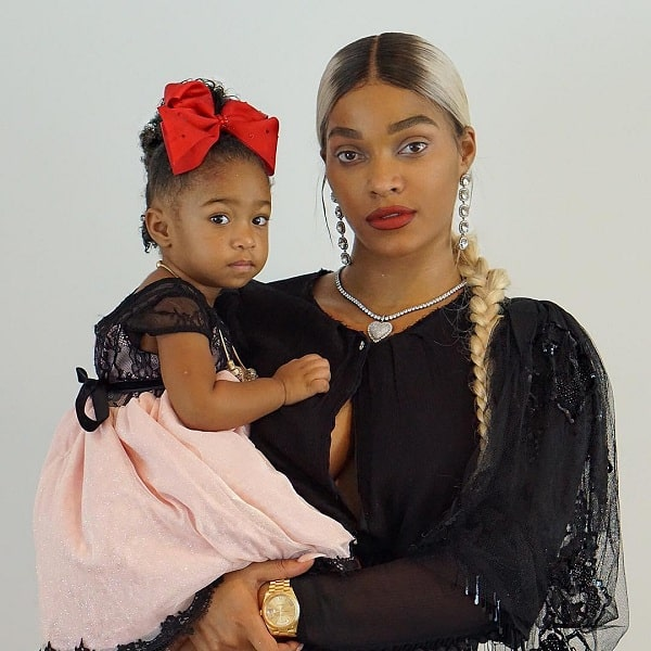 A picture of Bonnie Bella Jordan with her mamma, Joseline Hernandez.