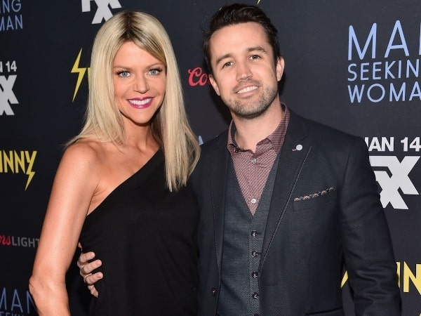 A picture of Kaitlin Olson with her husband, Rob McElhenney.