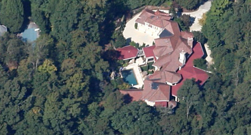 Jeff Foxworthy house satellite shot.