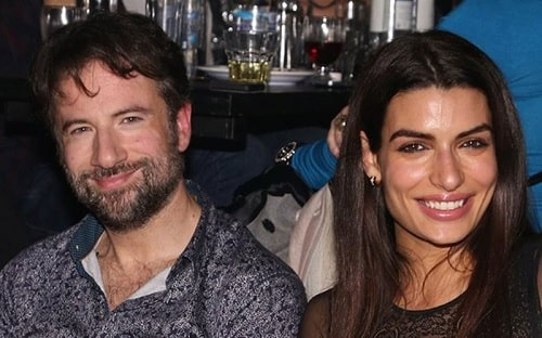 A picture of Tonia Sotiropoulou with her husband, Maraveyas ilegál.
