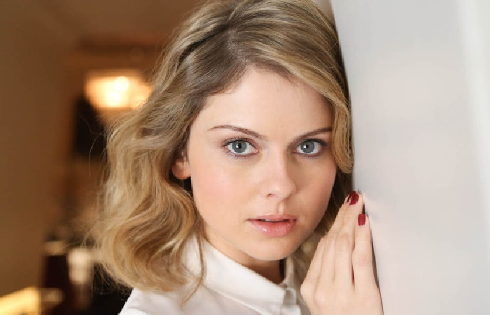Facts About Rose McIver – New Zealand's Actress