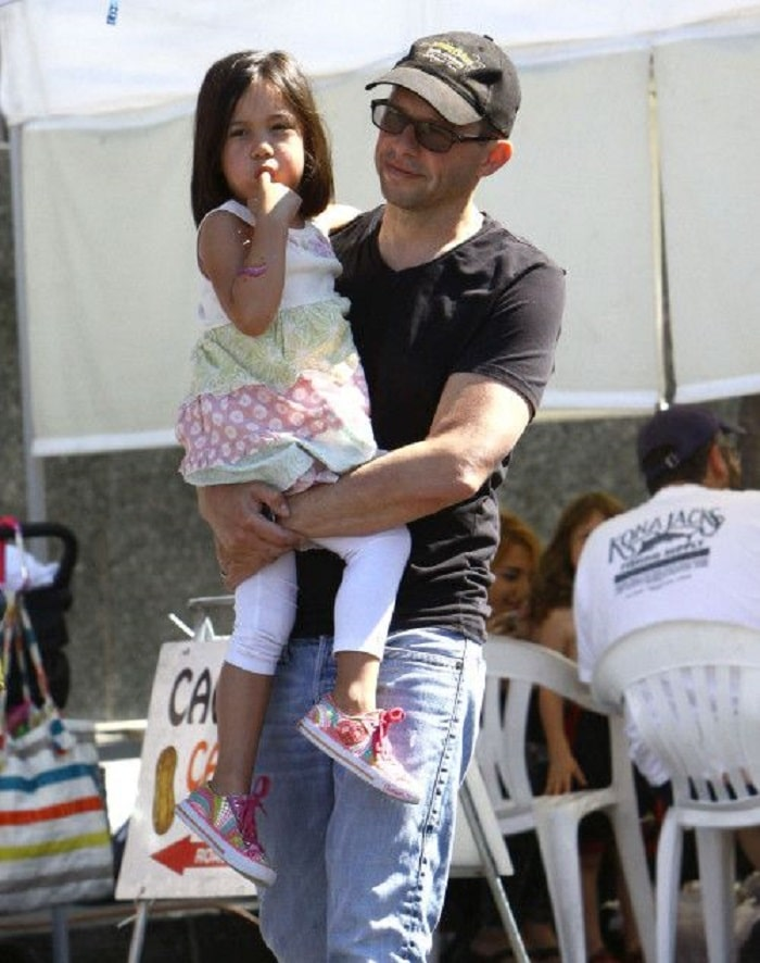 Daisy with her dad, Jon Cryer.