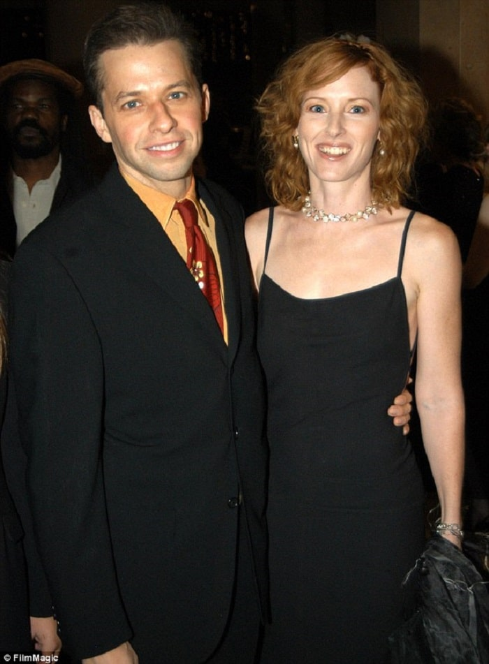 Charlie's divorced parents Jon Cryer and Sara Trigger.