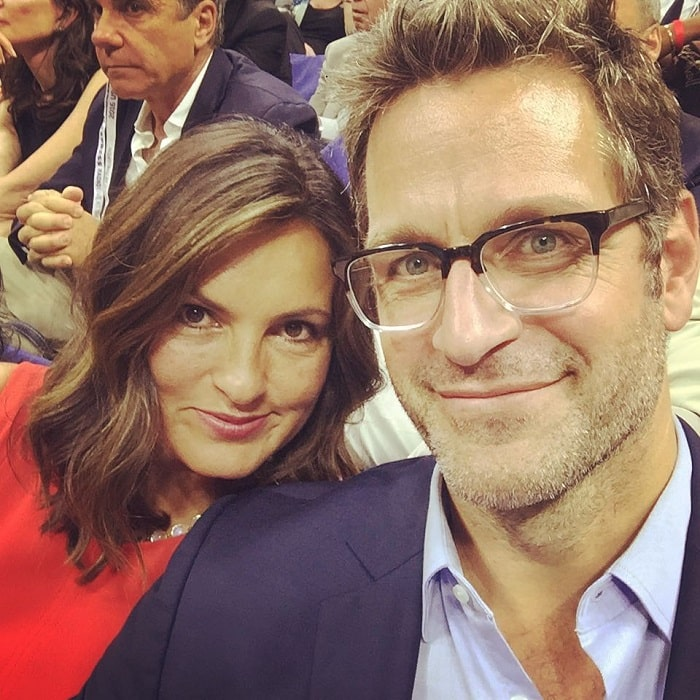 Amaya's mother, Mariska Hargitay and father, Peter Hermann taking a selfie.
