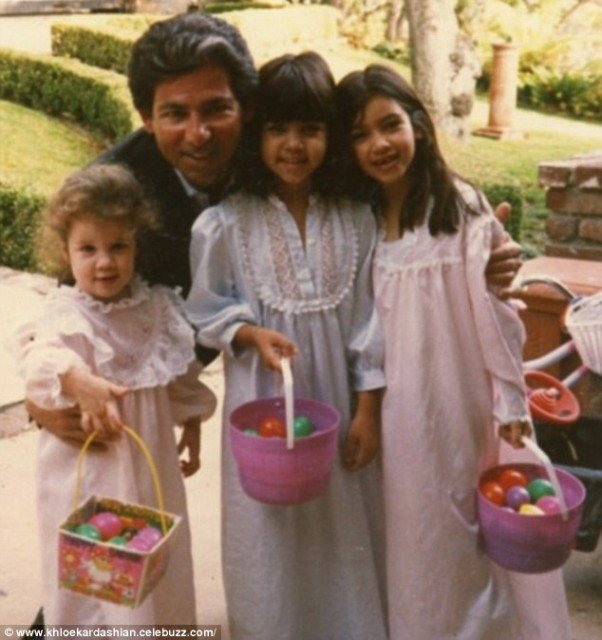 Late Robert Kardashian with his kids including Khloe who Jan Ashley claimed is not his biological daughter.