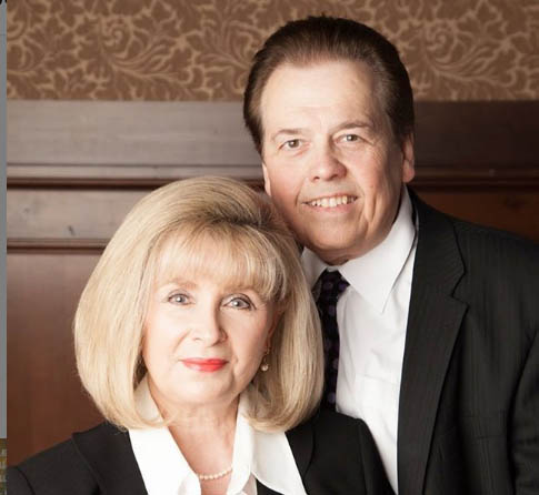 Alan Osmond taking picture with his wife Suzanne Pinegar.