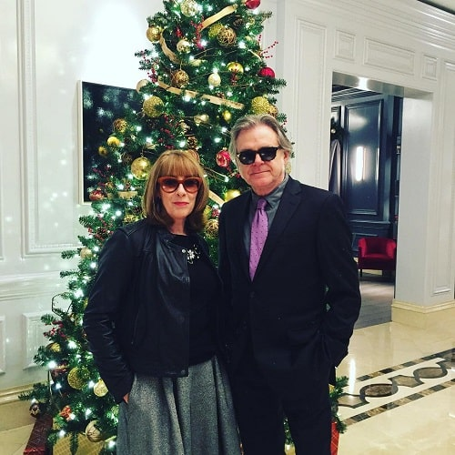 A picture of Kevin McNally and his wife, Phyllis Logan at the White House.