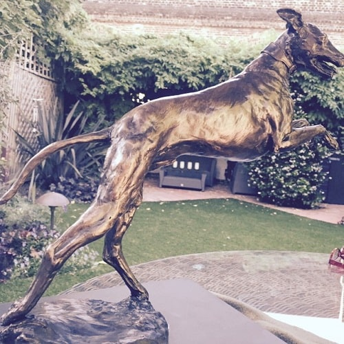 A picture of Statue of Kevin McNally's dog.