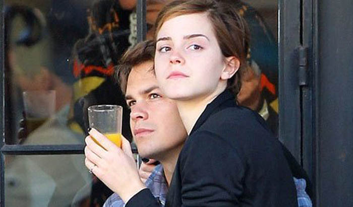 Johnny Simmons Has Dated Seriously Hot Girlfriends | Emma Watson and Leonie Kranzle