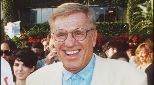 A picture of Late actor Jerry Van Dyke.