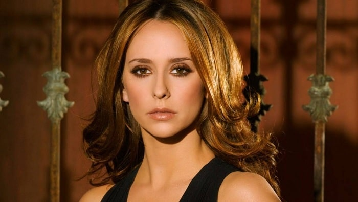 Jennifer Love Hewitt Plastic Surgeries – Before and After Pictures