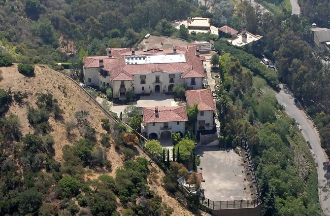 Robin McGraw mansion in Beverly Hills.