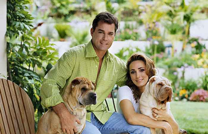 Michelle Grace taking a picture with her ex-husband Ray Liotta.
