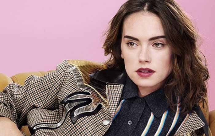 "Facts About Daisy Ridley - ""Star Wars"" Actress"