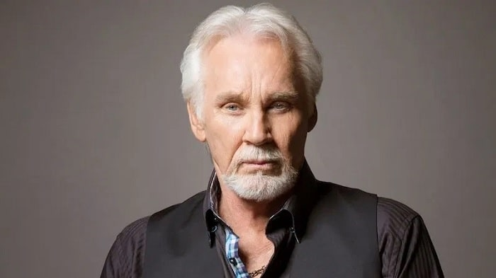 Kenny Rogers Admitted Plastic Surgery And Disaster