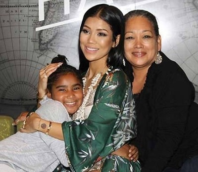 A picture of Christina Yamamoto with her daughter Jhene Aiko and granddaughter Namiko Love Browner.