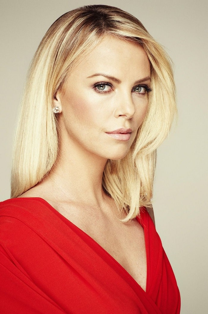 August's rich and gorgeous mama, Charlize Theron.