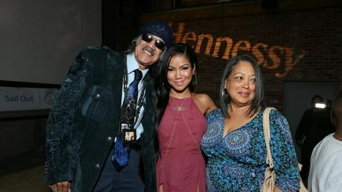 A picture of Miyagi's parents with her younger sister Jhene Aiko.