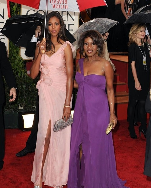A picture of Mavis Spencer with her mamma Alfre Woodard.