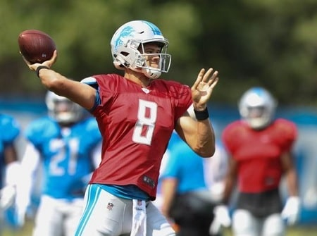 A picture of Brad Kaaya playing for Detroit Lions.