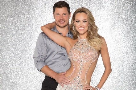 Nick Lachey with his dancing partner in 'Dancing with the Stars'.