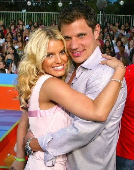 A picture of Nick Lachey with his ex-wife Jessica Simpson.