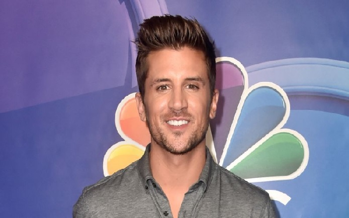 Jordan Rodgers' $2 Million Net Worth - Sports Commentator For NFL Is Rich