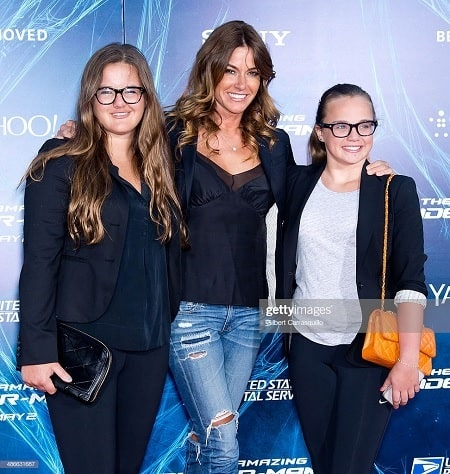 A picture of Kelly Bensimon with her daughters.