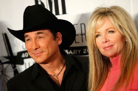 Lily Pearl Black father Clint Black with his wife Lisa Hartman Black.