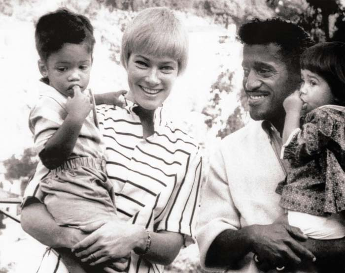 A picture of Davis Jr. with his ex-wife and children.