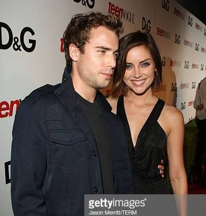 Jessica Stroup with her co-star and ex-boyfriend Dustin Milligan.