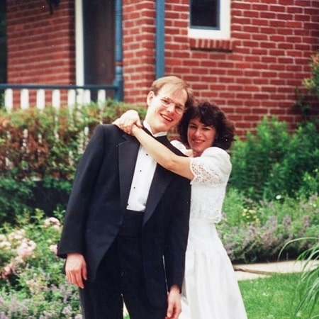 Abigail Klobuchar Bessler parents on their wedding day.